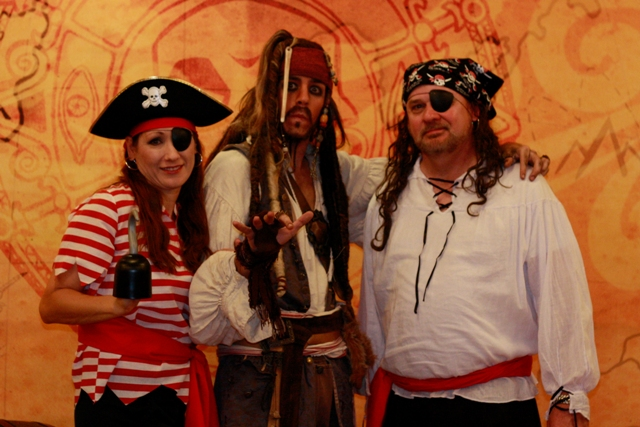 disney-cruise-pirate-night-costume-ideas