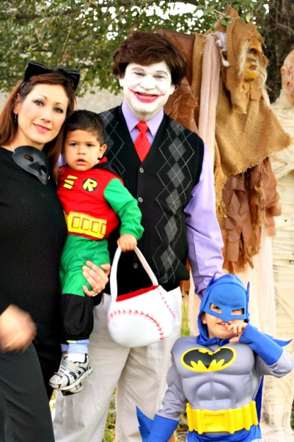 best-diy-halloween-costume-ideas-family-group-batman