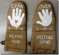diy-mothers-day-gift-handprint-oven-mitts-pinterest-blog