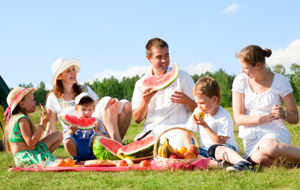 Spring-break-activities-things-to-do-for-large-families