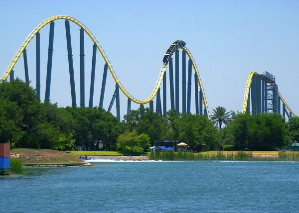 SeaWorld-rides-San-Antonio-roller-coaster